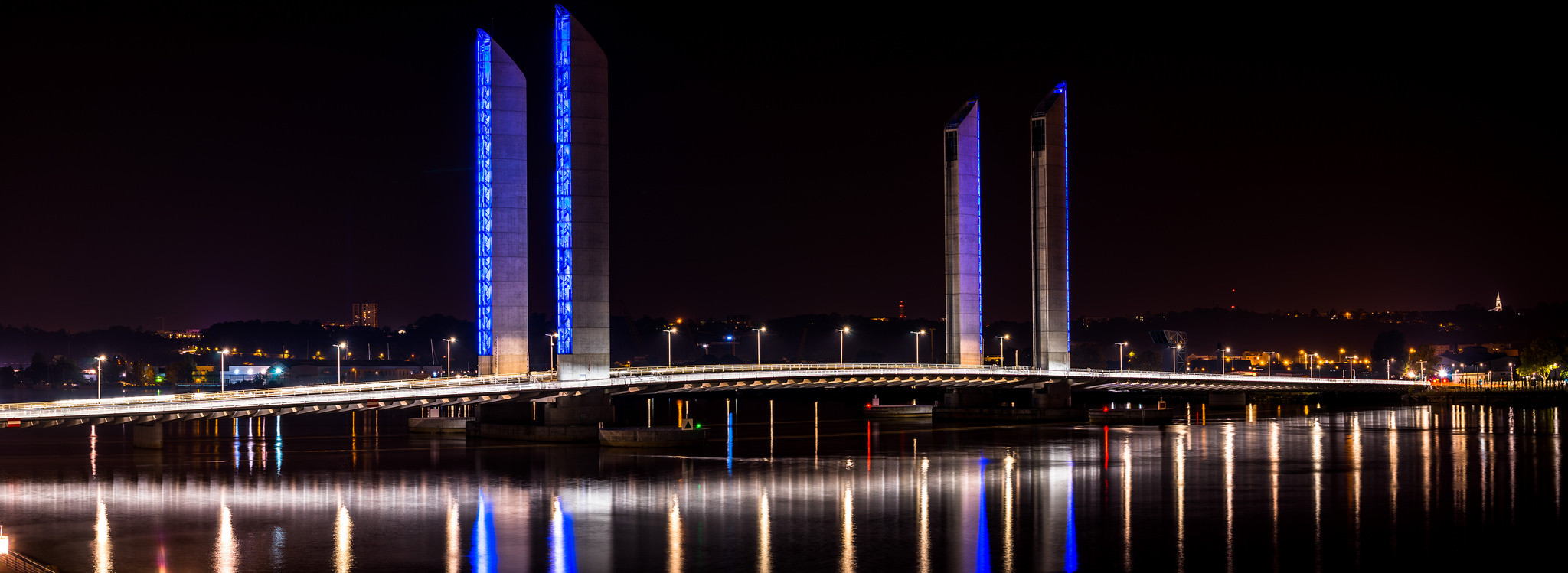 bordeaux_by_night_pont_chaban_delmas